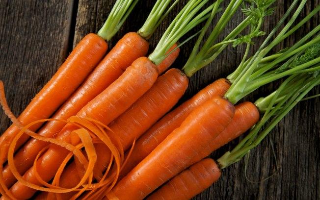 alimentos que ajudam a prolongar o bronzeado
